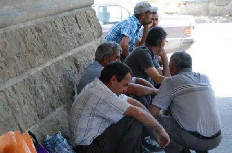 Количество официальных безработных в Азербайджане увеличилось в 3,5 раза